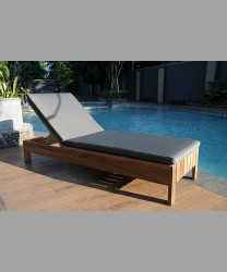 Castello Lounger 2017
